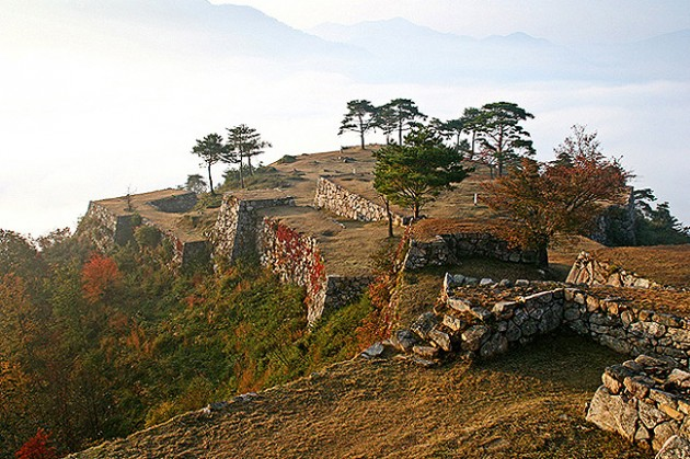 紅葉の竹田城