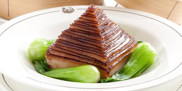 優雅な食事を楽しむ「ザ・ペニンシュラ東京」のレストランおすすめ3選