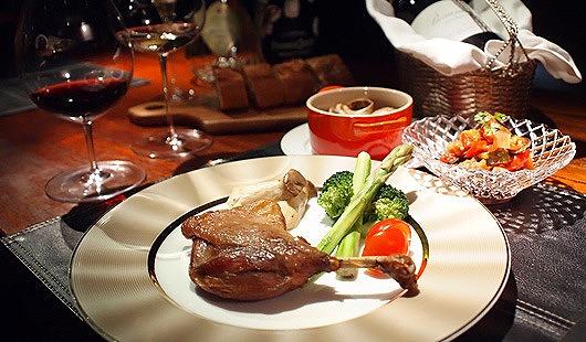 ボーヌの街で賑わうビストロ料理