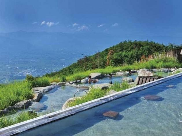 あえて宿泊で楽しみたい素朴な環境が魅力の「ほったらかし温泉」