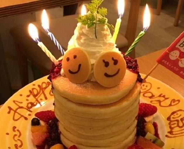 パンケーキデイズ原宿店のバースデーパンケーキ