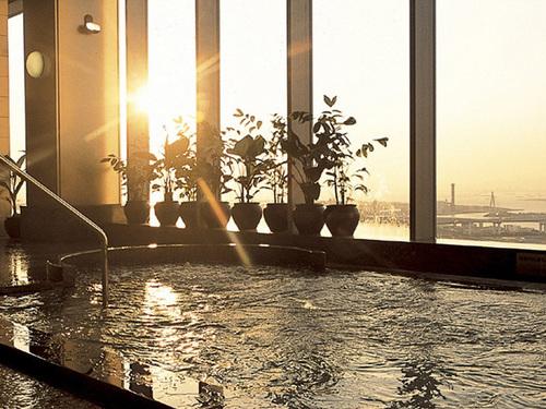 ホテル京阪・ユニバーサル・タワー
