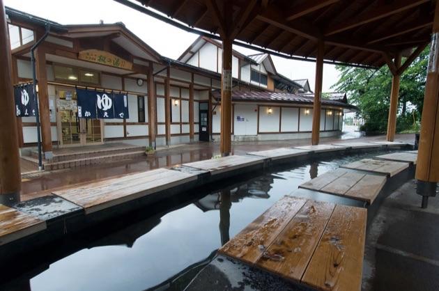 湯田中駅前温泉_楓の湯の足湯