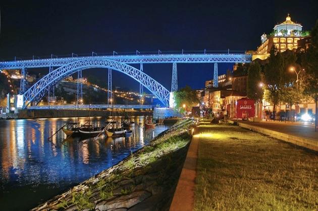 ドン・ルイス1世橋の夜景