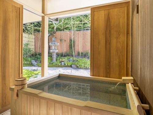 翠嵐 ラグジュアリーコレクションホテル 京都の客室露天風呂