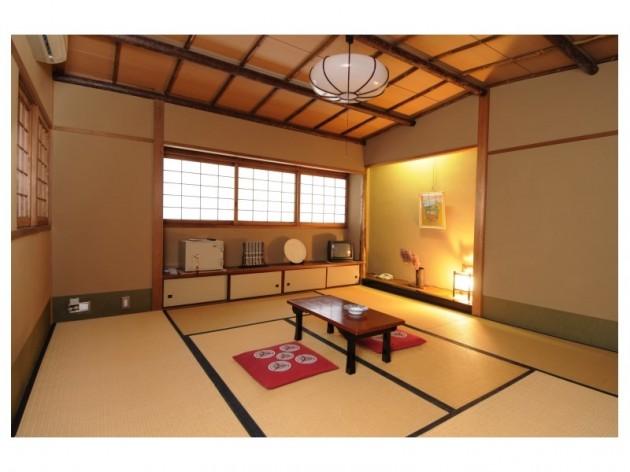 割烹旅館亀屋の客室一例