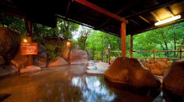 開湯1300年の歴史がある「天ヶ瀬温泉」の日帰り入浴おすすめランキング