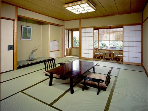 嵐山温泉 嵐山辨慶の客室一例