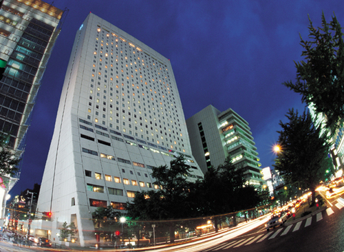 ホテル日航大阪の外観