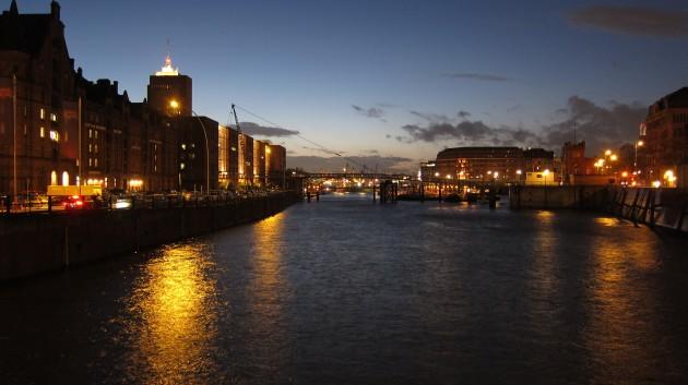 ハンブルク港夜景