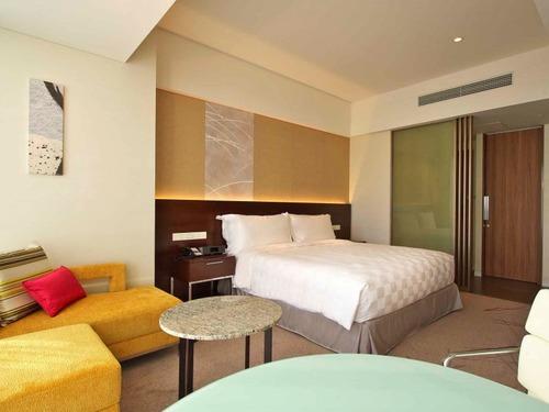 大阪マリオット都ホテルの客室一例