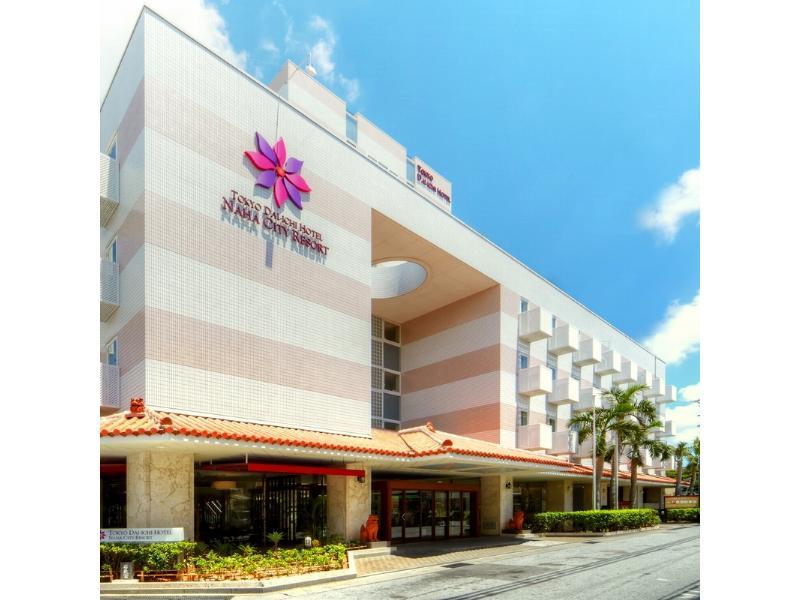 市街地の便利さとリゾートムードを両立する「スマイルホテル那覇シティリゾート」の魅力とは