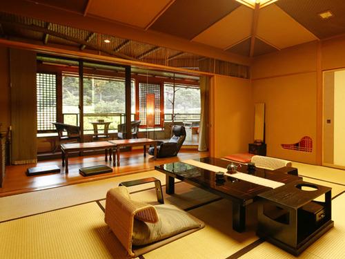 万葉の里 白雲荘の客室一例