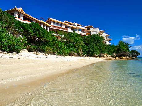 沖縄本島南部の非日常空間で極上の時間を楽しむ「百名伽藍」