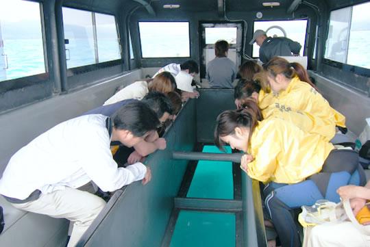 img-glassboat