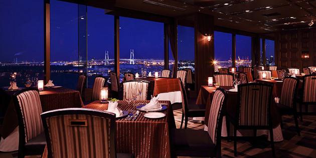 横浜デートの鉄板!美しい夜景が楽しめる「カップル向きレストラン」おすすめ6選