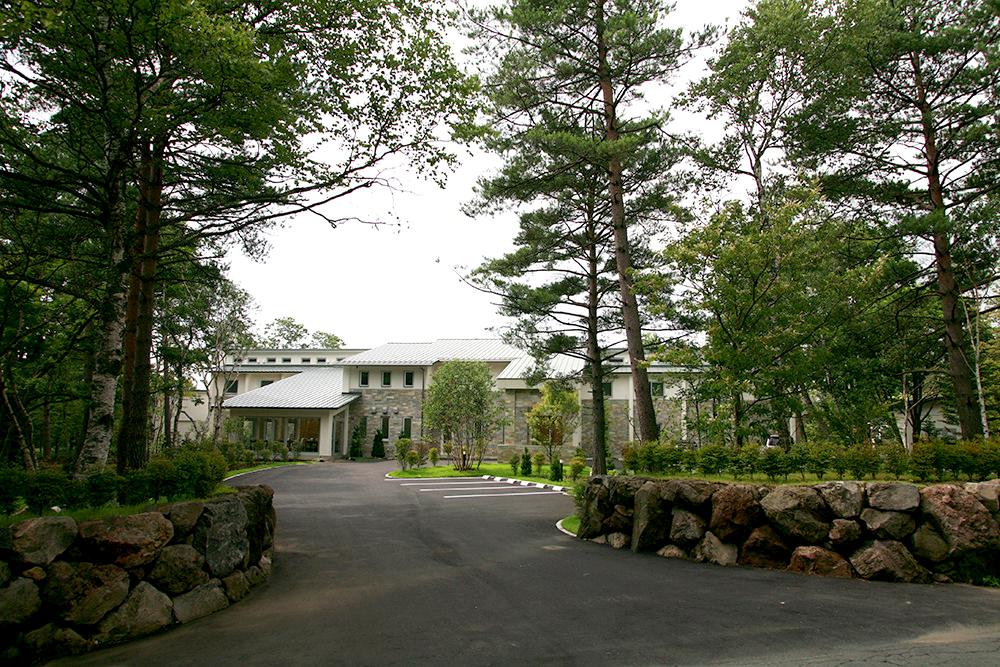 日本三名泉の一つ草津温泉のヘルシーリゾートでリフレッシュ体験を楽しめる「Hotel KURBIO」
